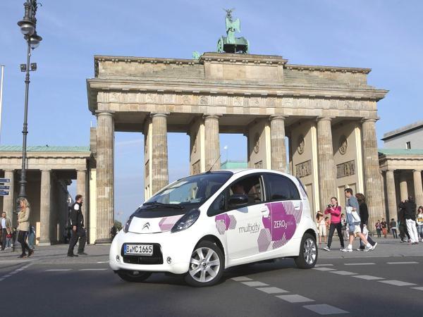 """""""Multicity"""" startet Anfang September zunächst mit einer 100-starken E-Fahrzeug-Flotte in Berlin."""