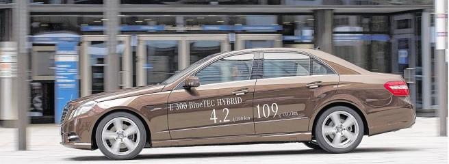 Neuer Furhpark für Dortmunds Polit-Spitze: Neun Modelle des E 300 Blue Tec Hybrid