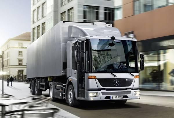 Bild: © Mercedes Benz Nutzfahrzeuge 2012 - Mercedes präsentiert auf der IAA Nutzfahrzeuge 2012 in Hannover den Econic LNG.