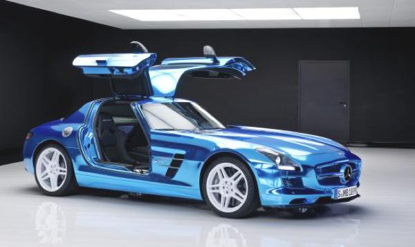 Bild: © Mercedes Benz / Daimler - 2012 - Beflügelte Energie für über 400 000 Euro: der Mercedes SLS AMG Coupé Electric Drive