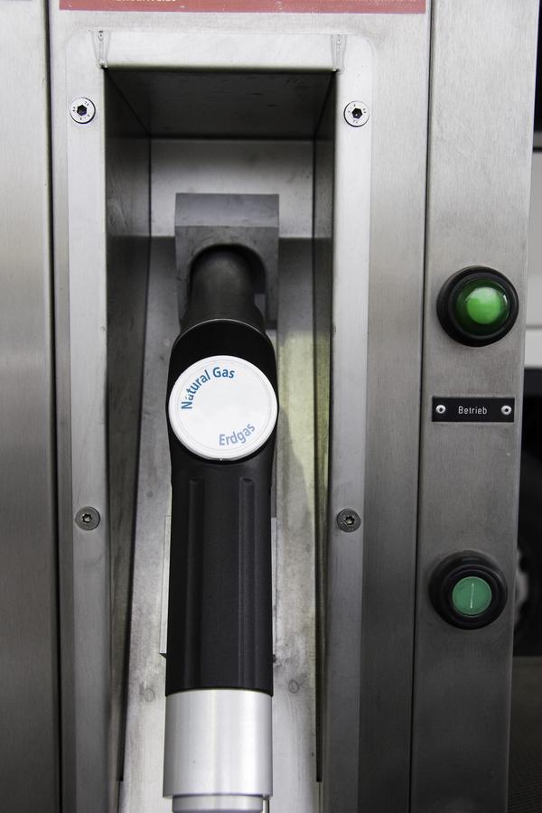 Bild: © panthermedia.net / Heidrun Hobel - Erdgas in den Tank - Audi entwickelt in eigener Fabrik für E-Gas
