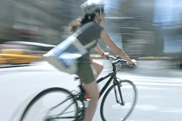 Bild: © SVLuma - Fotolia.com - LeaseRad mit einem großen Ziel: Arbeitswege mit dem Bike zurücklegen