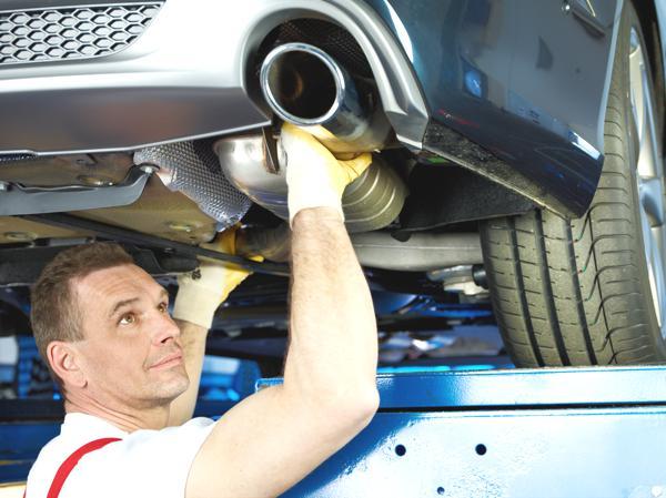 Bild: © Uwe Annas - Fotolia.com - Wer noch von der Förderung zur Umrüstung eines älteren Dieselfahrzeugs mit Rußpartikelfilter profitieren möchte, sollte sich rasch darum kümmern.