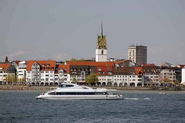 Bild: © panthermedia.net/Catherine Estevez - BodenseEmobil: Wie kommen Elektroautos in einer eher ländlichen Region wie Friedrichshafen am Bodensee an?