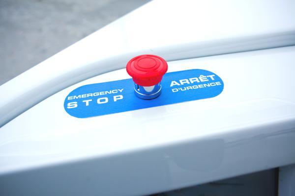 Bild: © Induct-Technology - Der Nothalteknopf ist nicht zu übersehen