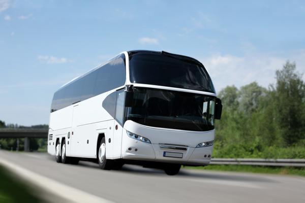Bild: © th-photo - Fotolia.com - Der Reisebus- Verkehrsmittel mit bester Energiebilanz