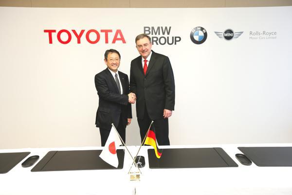 Bild: © BMW Group - Vertragsunterzeichnung zur Kooperation zwischen der BMW Group und Toyota Motor Corporation am 24.01.2013 in Nagoya/Japan